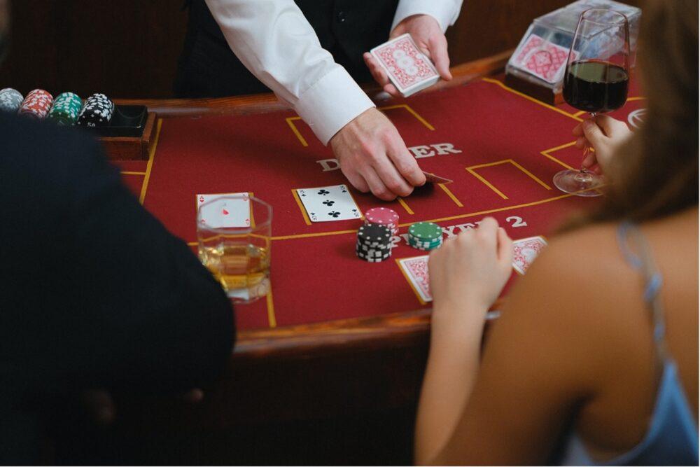 Online Blackjack Optimal Betting Strategy